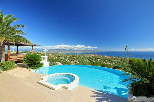 Thumbnail Property for sale in Saint Aygulf, Var, France