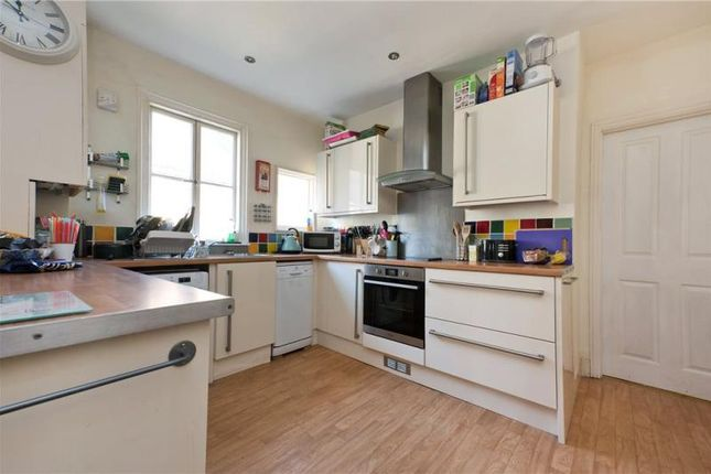 Thumbnail Flat to rent in Weir Road, Clapham South, London