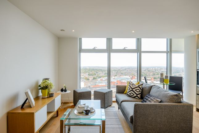 Thumbnail Flat to rent in Winston Way, Ilford