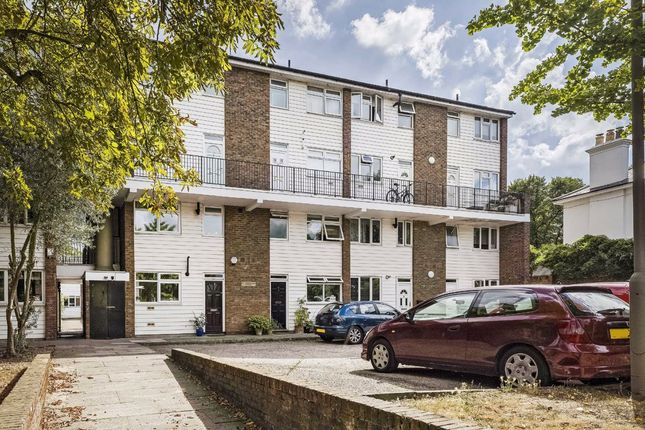 2 bed flat for sale in Marrick Close, Upper Richmond Road, London SW15