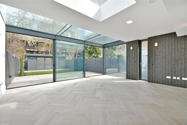 Thumbnail Flat for sale in Fordwych Road, West Hampstead Borders