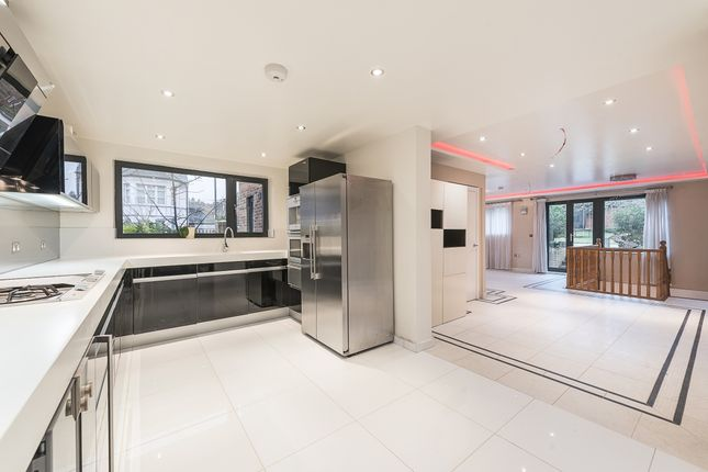 Thumbnail Property to rent in Cranley Gardens, London