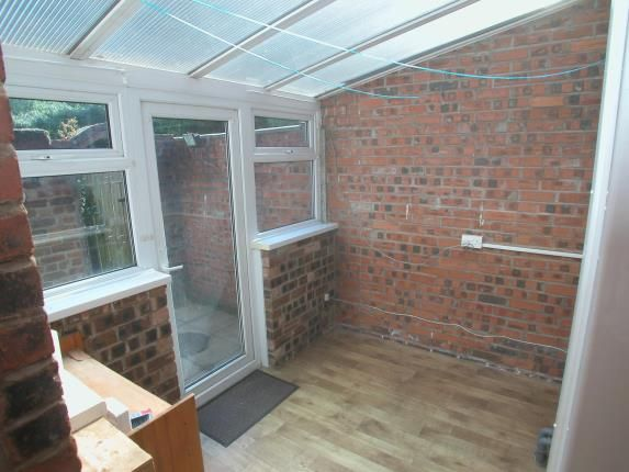 Picture No.06 of Raby Road, Neston, Cheshire CH64