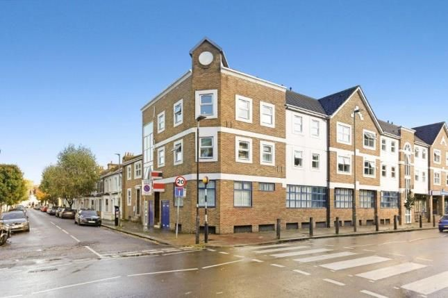 2 bed flat for sale in Hertford Court, 45 Falcon Road, Battersea, London SW11