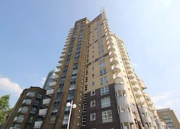 Thumbnail Room to rent in Cascades Tower, 2-4 Westferry Road, London
