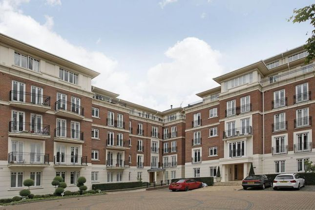 Thumbnail Flat for sale in Leicester Court, Richmond Bridge Development