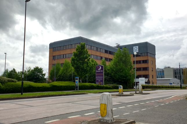 Thumbnail Office to let in Fleming Way, Crawley