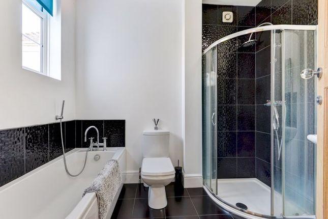 Family Bathroom of Ilex Way, Goring-By-Sea, Worthing BN12