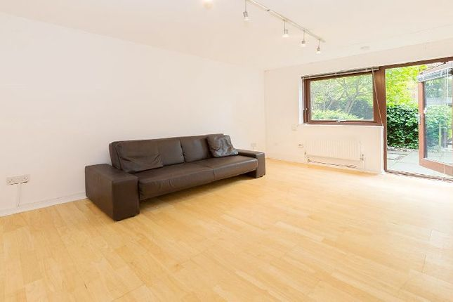 1 bed flat to rent in Minton Mews, London