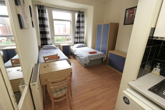 Thumbnail Room to rent in Cranhurst Road, London