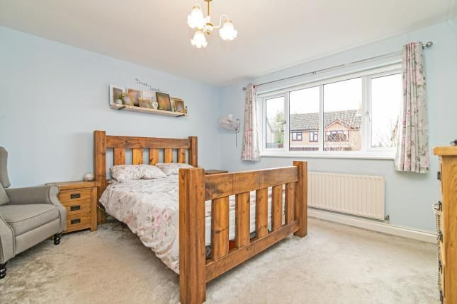 Bedroom 1 of Summerhouse Close, Redditch, Worcestershire, Callow Hill B97