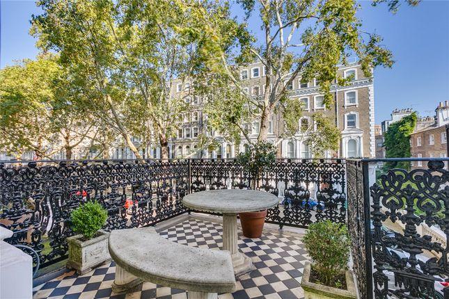 Thumbnail Flat for sale in Beaufort Gardens, London