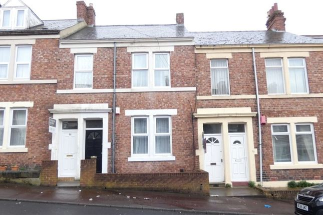 3 bed flat to rent in Northbourne Street, Gateshead