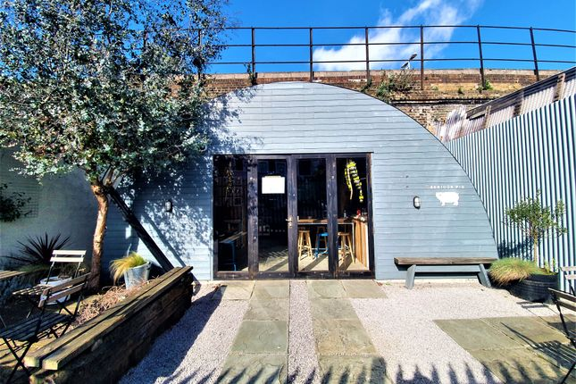Thumbnail Commercial property to let in Blenheim Grove, London