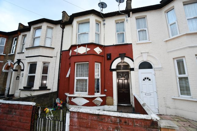 Thumbnail Flat for sale in 5A Baden Road, Ilford