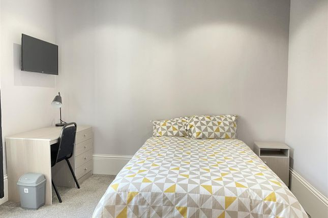 Thumbnail Room to rent in Elm Terrace, Beverley Road, Hull