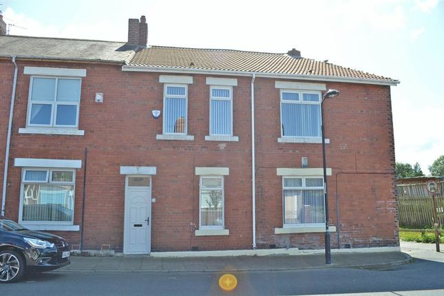 Thumbnail Flat to rent in Berwick Terrace, North Shields