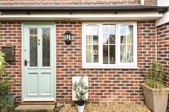 Thumbnail Semi-detached house to rent in Jubilee Road, Chichester