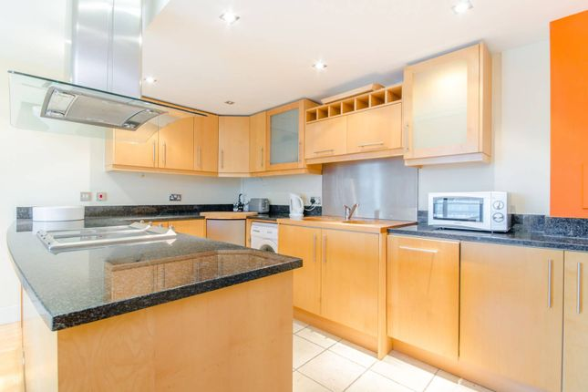 2 bed flat for sale in Millharbour, Canary Wharf