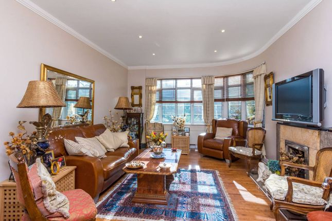 Thumbnail Property for sale in Ellesmere Road, Chiswick, London