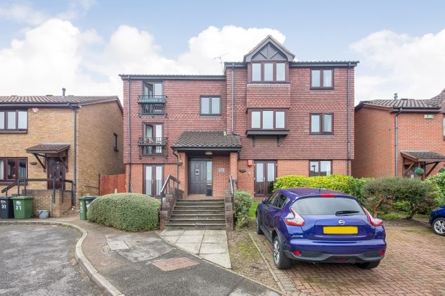 2 bed flat for sale in Gables Close, London SE12