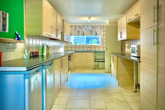 Thumbnail Property to rent in Northway, Welwyn Garden City