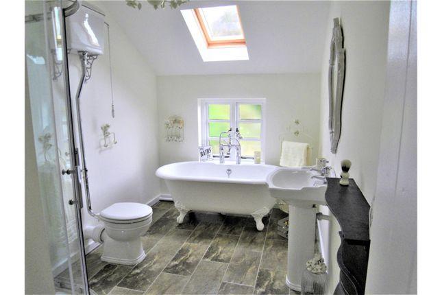Family Bathroom of Hillside, Sheffield S25