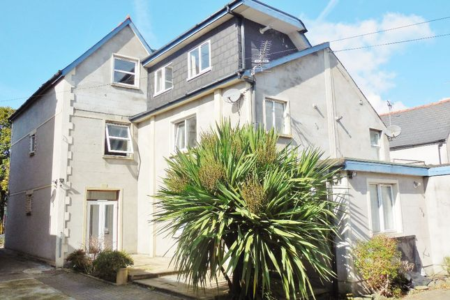 Thumbnail Flat to rent in First Floor Flat, Richmond Road, Cardiff