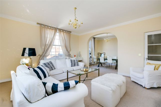 3 bed flat to rent in North End House, Fitzjames Avenue, London