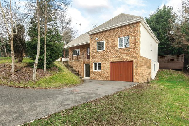 Thumbnail Detached house for sale in Broughton Road, Banbury, Oxfordshire