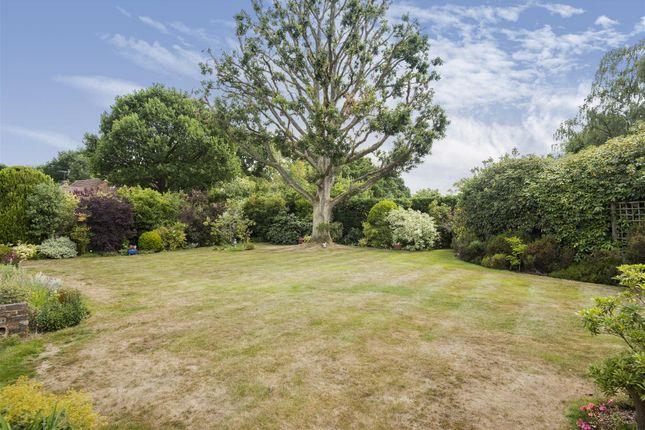 623502 (10) of Orchard Close, East Horsley, Leatherhead KT24