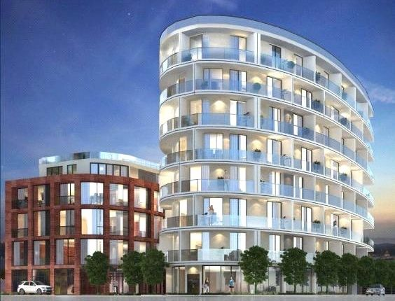 3 bed flat for sale in Regents Park Road, Finchley, London
