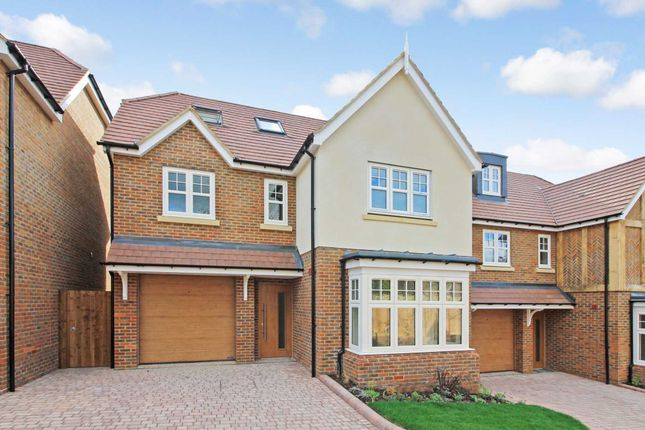 Thumbnail Detached house for sale in Albany Terrace, Grove Road, Tring