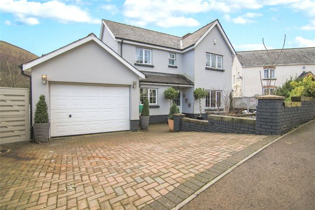 4 bed detached house to rent in Beaconsfield, Gilwern, Y Fenni, Beaconsfield NP7
