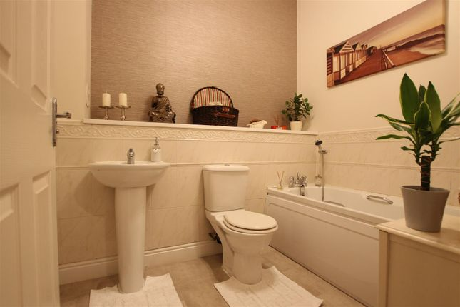 Bathroom of Orchard Brae, Hamilton ML3