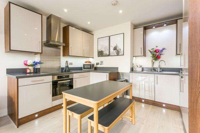Thumbnail Flat to rent in Heron Way, Maidenhead