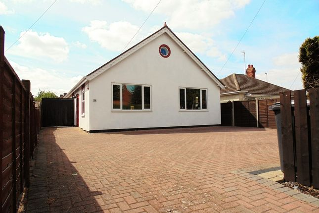 Thumbnail Detached bungalow for sale in Wellingborough Road, Rushden