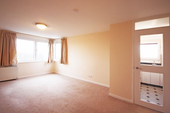 Thumbnail Flat to rent in Ewell Road, Surbiton