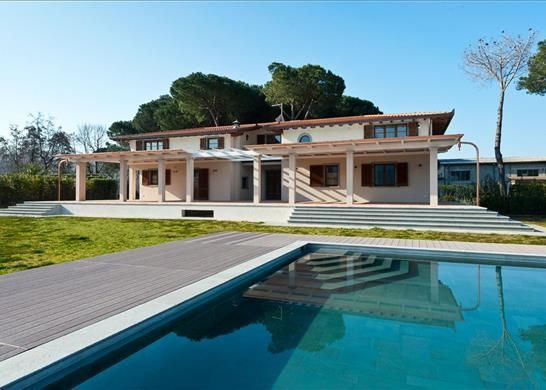 7 bed detached house for sale in 55045 Pietrasanta Lu, Italy