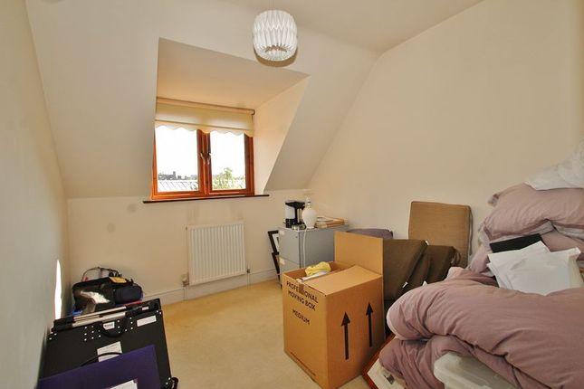 Bedroom Five of Corndell Gardens, Witney OX28