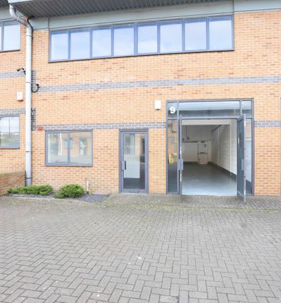Light industrial to let in Bowman Court, Royal Wootton Bassett, Swindon|Royal Wootton Bassett
