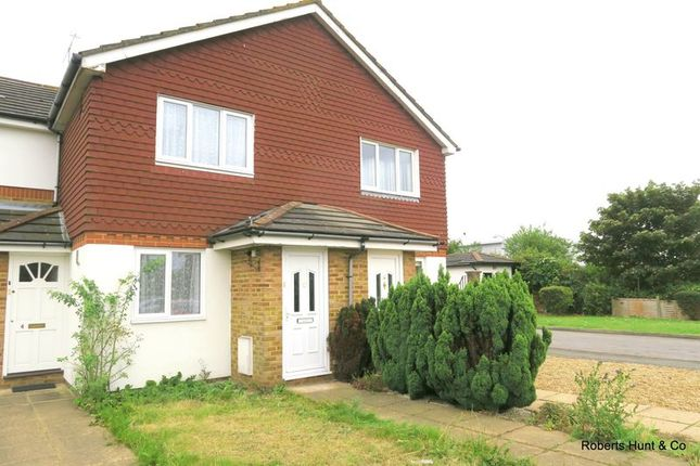 1 bed terraced house for sale in Cleveland Park, Stanwell, Staines