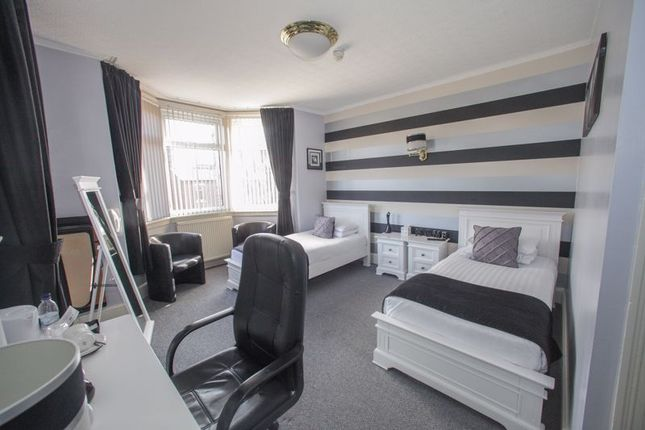 Photo 3 of Tower House Guest House, Pontefract, West Yorkshire WF8