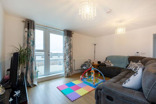 Thumbnail Flat for sale in Connersville Way, Croydon