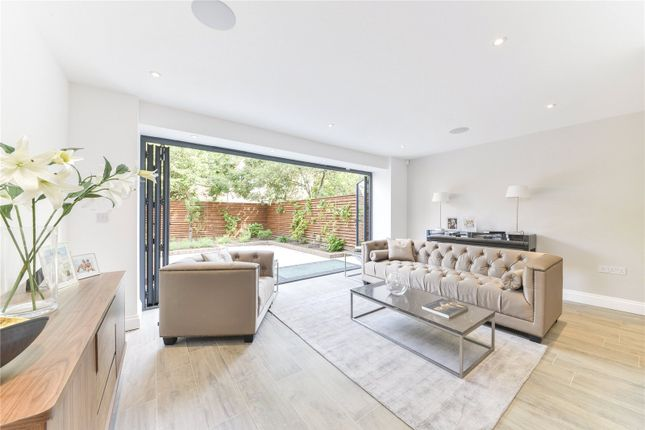 Thumbnail Terraced house for sale in Abbotsbury Close, London