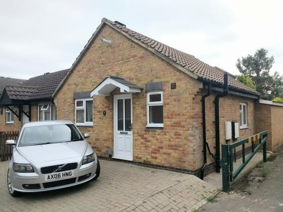 Thumbnail Bungalow for sale in Woodhatch Close, London