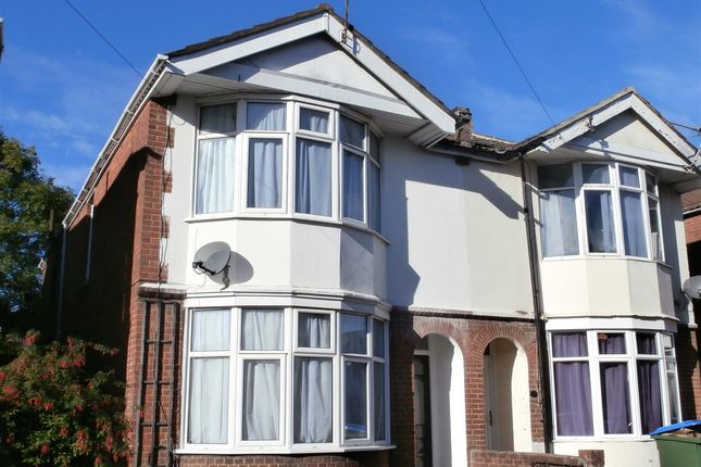 5 bed semi-detached house to rent in Harborough Road, Shirley, Southampton SO15