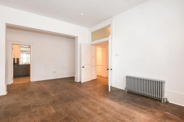 2 bed flat for sale in Linden Gardens W2,