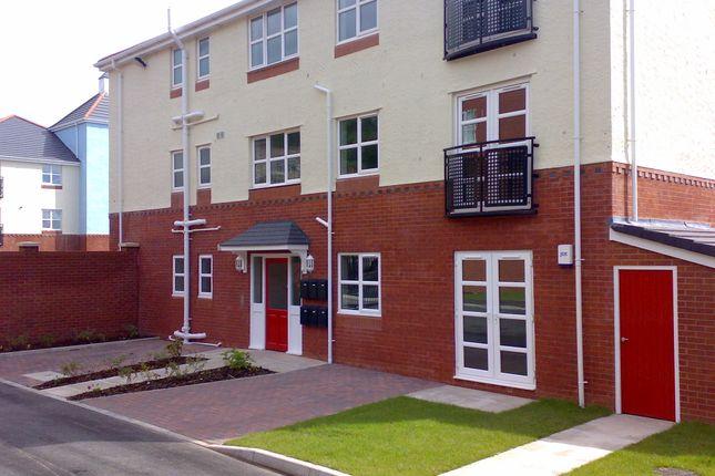 Thumbnail Flat to rent in Mersey Walk, Tranmere, Birkenhead