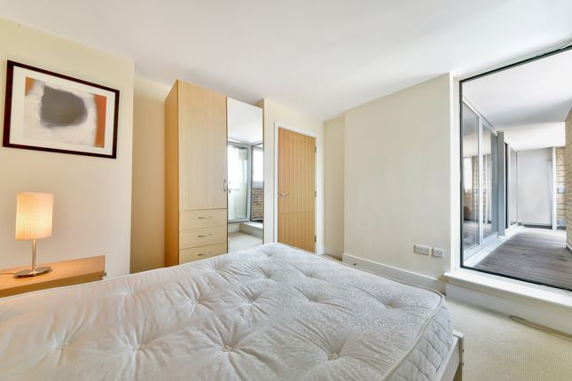 Bedroom of Axis Court, Tempus Wharf, Shad Thames SE16